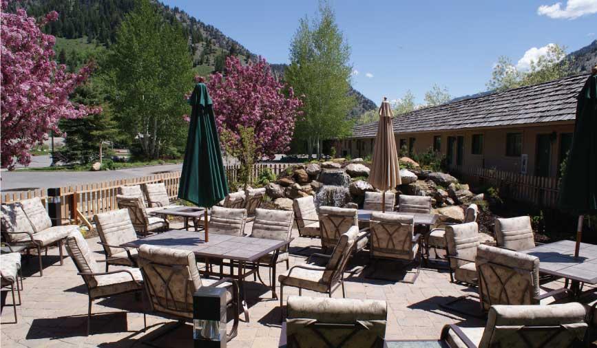 alpine-wyoming-hotels