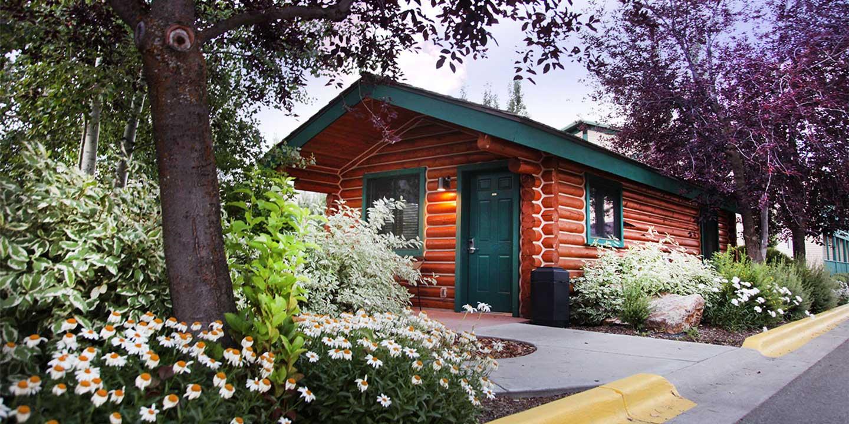 alpine wy hotels Flying Saddle cabin